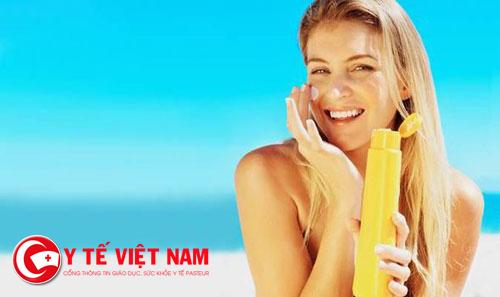 Dùng kem chống nắng kém chất lượng ảnh hưởng đến sức khỏe