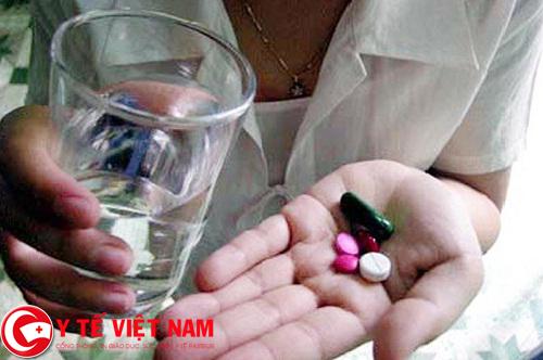 Lạm dung thuốc Tây gây bệnh loãng xương ở trẻ em