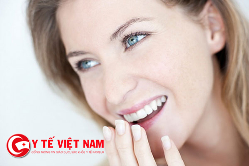 Lấy cao răng bảo vệ chân răng