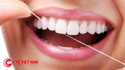 Lựa chọn sợi chỉ nha khoa đúng cách giúp bảo vệ răng miệng