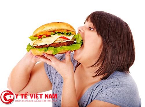 Một chế độ dinh dưỡng nhiều chất béo là một trong những nguyên nhân hàng đầu gây gan nhiễm mỡ