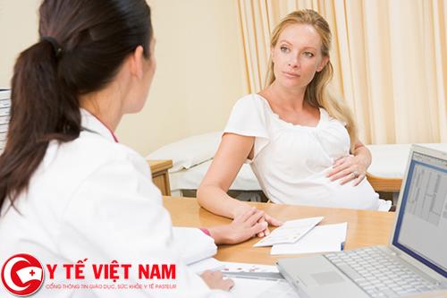 mang bầu nhiều khiến cho phụ nữ dễ bị loãng xương hơn nam giới