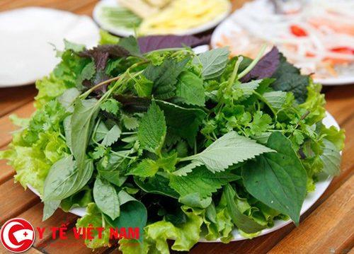Có thể sử dụng lá tía tô để chữa bệnh gút và cách điều trị cho mình bằng cách ăn sống lá tía tô