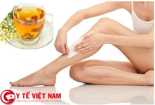 Bật mí phương pháp tẩy lông chân cực an toàn, hiệu quả với trà hoa cúc