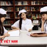 Thư viện trường Đại học Dược Hà Nội nổi tiếng với nguồn tài liệu Dược học quý giá (12.000 tài liệu liên quan đến nhiều lĩnh vực).