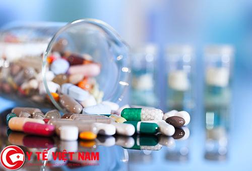 Sử dụng thuốc điều trị viêm đại tràng co thắt theo chỉ dẫn của bác sĩ