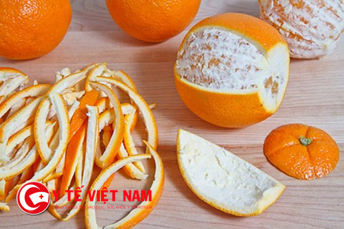 Làm trắng răng từ cùi trái cam