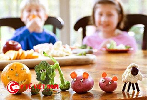 Khi nào bé đói để giúp trẻ ăn tốt hơn
