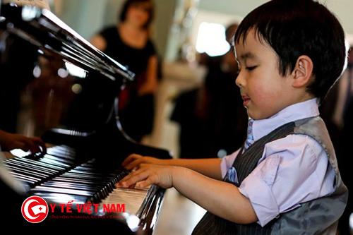 Trẻ yêu âm nhạc