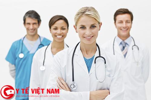 Y sĩ trung học làm việc tại Nam Định