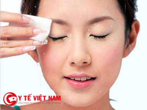 Tẩy trang da mặt là một trong những bước quan trọng để bảo vệ làn da