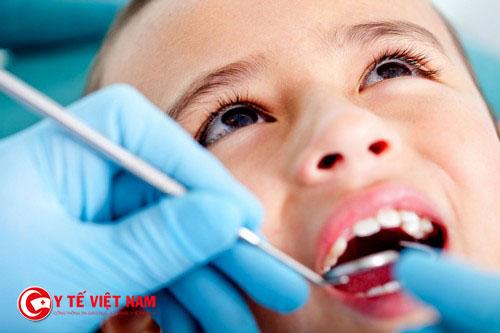 Nên thực hiện những phương pháp an toàn khi điều trị răng cho trẻ