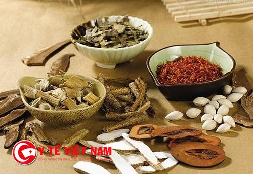 Sử dụng bài thuốc Đông y giúp điều trị bệnh dứt điểm