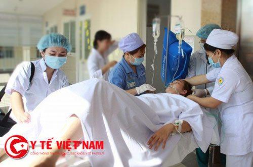 bệnh nhân được mổ ngay tại phòng cấp cứu