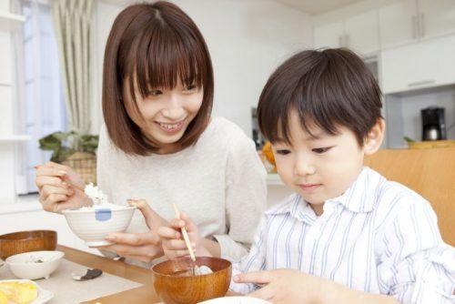 Mẹ nên bổ sun dinh dưỡng cho trẻ theo từng lứa tuổi
