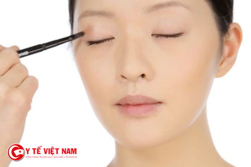 Cọ tạo điểm nhấn giúp bạn nổi bật cho khuôn mặt