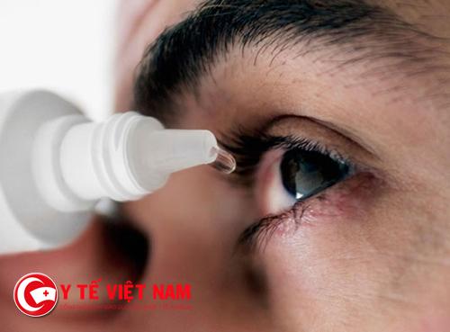 Đau mắt đỏ là một trong những bệnh thường gặp vào mùa mưa