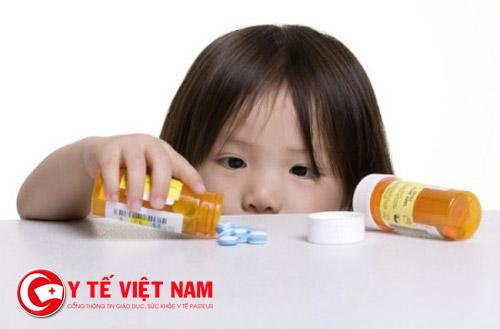 Dùng kháng sinh theo đúng chỉ định của bác sĩ
