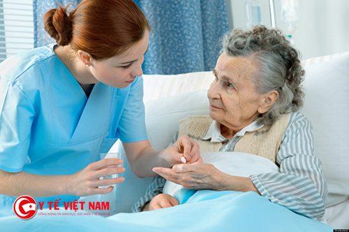 nhân viên điều dưỡng