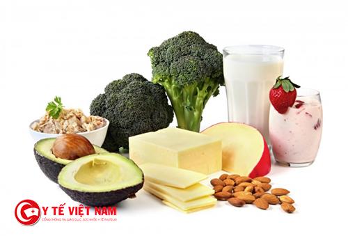 Ăn nhiều thực phẩm giàu canxi sau khi uống sữa