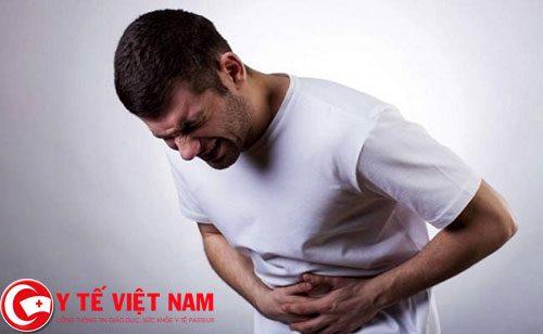 Bệnh nhân viêm tụy cấp rất đau bụng