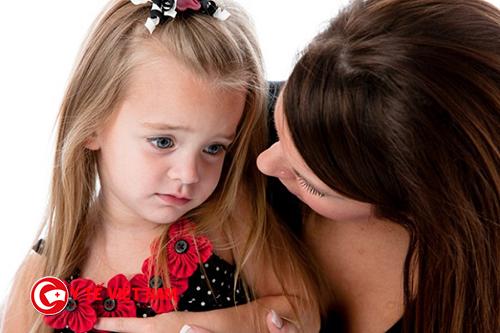Khi trẻ nhút nhát, bạn hãy khuyến khích trẻ tham gia các hoạt động của trường lớp