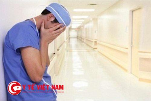 Cán bộ y tế làm việc trong tâm trạng sợ hãi