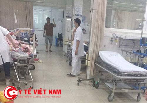 Hiện trường vụ côn đồ truy sát bệnh nhân tại bệnh viện Đại học Y Hà Nội