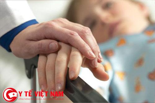 Quan tâm, chăm sóc người bệnh để họ cảm nhận tình yêu thương