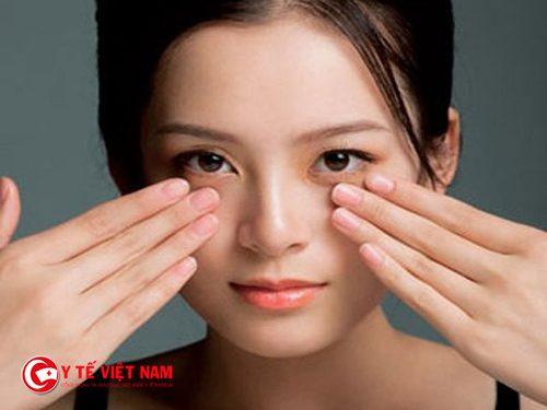 Massage da mặt giúp cho làn da tươi tắn hồng hào