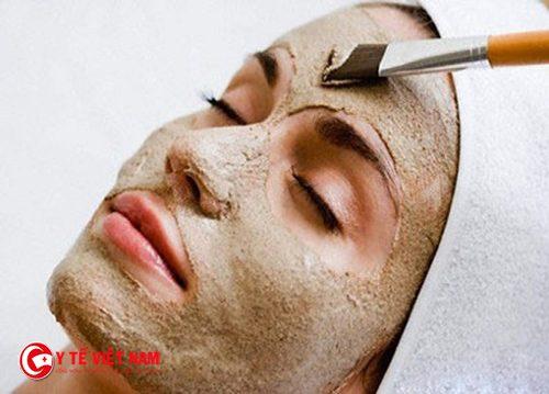 Mặt nạ chăm sóc da dầu từ đường nâu rất hiệu quả