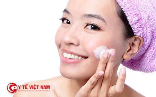 Căng da mặt nội soi giúp cải thiện làn da lão hóa từ bên trong