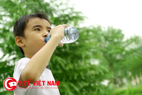 Đừng quên uống nước trước khi ăn nếu muốn cơ thể khỏe mạnh