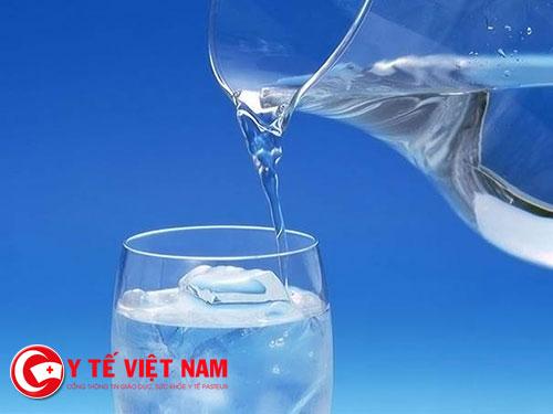 Tác dụng bất ngờ trong việc giảm cân từ việc uống nước lạnh