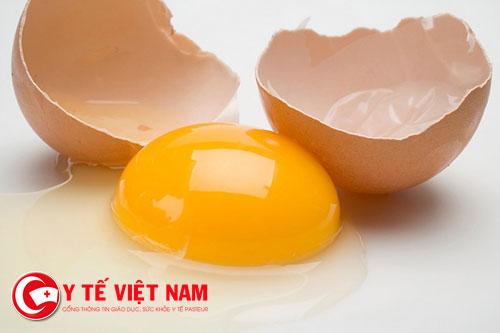 Các mẹ nên ăn trứng gà sau sinh?