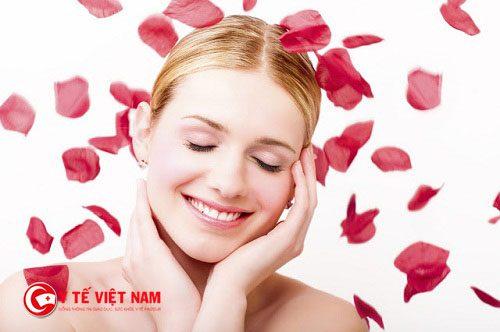 Mặt nạ hoa hồng giúp làm da mặt căng mịn tự nhiên