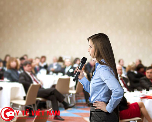 Hướng dẫn khắc phục nỗi sợ hãi nói trước đám đông