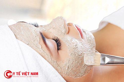 Mặt nạ yến mạch giúp làm căng da mặt tự nhiên