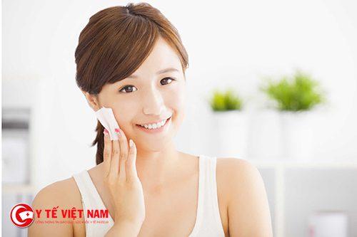 Rửa mặt đúng cách giúp làn da sáng mịn tự nhiên