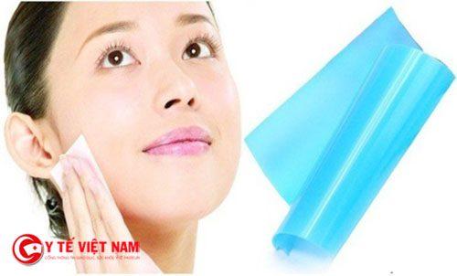 Cách cải thiện làn da dầu hiệu quả nhờ giấy thấm dầu