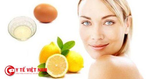 Nước cốt chanh và lòng trứng trắng là cách  trị mụn đầu đen hiệu quả