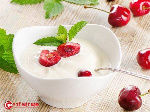Sử dụng cách giảm cân bằng sữa chua quá nhiều cũng không tốt
