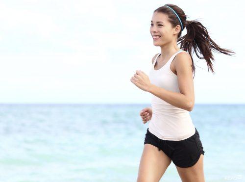 Nên chú ý chế độ  ăn uống sinh hoạt để có vóc dáng thon gọn