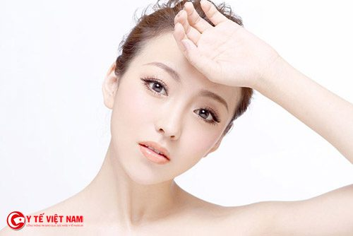 Vỗ mặt thường xuyên để tăng độ đàn hồi cho da va giữ mãi làn da tuơi trẻ