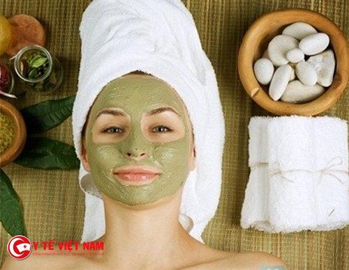 Mặt nạ chăm sóc da từ bột trà xanh và mật ong ngăn ngừa lão hóa