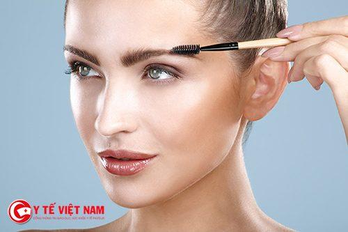Trang điểm lông mày tự nhiên cho gương mặt thanh thoát