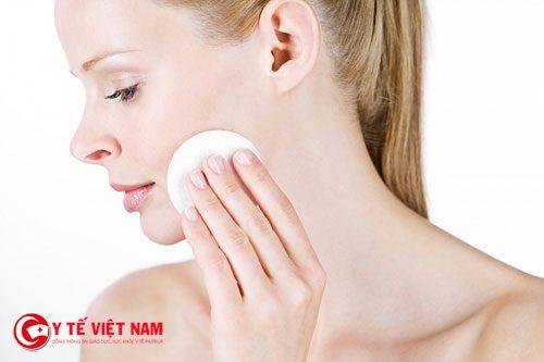 Thực hiện các bước chăm sóc da cơ bản để có làn da căng mịn