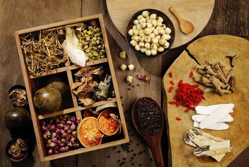 Bác sĩ YHCT hướng dẫn cách nhận biết thuốc Đông Dược kém chất lượng