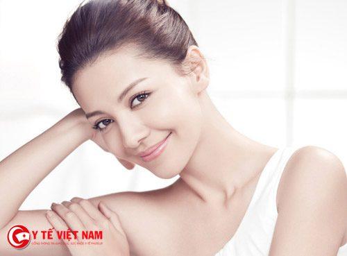 Hạn chế trang điểm giúp chị em cải thiện làn da có lỗ chân lông to