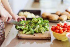 Ăn nhiều rau củ quả để phòng chứng đột quỵ